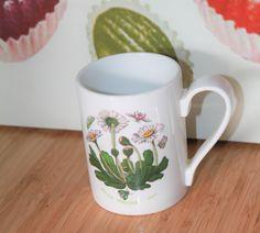 Portmeirion Daisy Design Mug. Botanic Garden Range Classic English Cottage Style by AtticBazaar on Etsy Portmeirion Pottery, English Cottage Style, Famous Names, Botanical Gardens, Earthy, Daisy, Range, Ceramics, Mugs