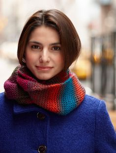 Twisted Color Cowl