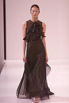 Vera Wang Spring 2000 Ready-to-Wear Fashion Show