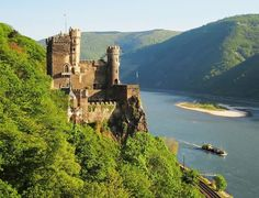 List of Burgs and Castles along Rhine for Special Events