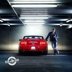 Markenbotschafter-Kandidat Michael (24) hat einen Ami dabei. Der rote Ford Mustang GT Premium aus dem Jahr 2008 hat ganze 320 PS unter der Haube.