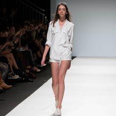 Sieh dir Instagram-Fotos und -Videos von All about Independent Fashion (@drezzercommunity) an Fashion Week 2016, All About Fashion, Vienna, Industrial Style, Outfit, Videos, White Dress, Unique, People
