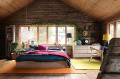 Gorgeous #attic #bedroom! Wish ours had looked like this.