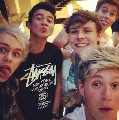 Niall Horan and 5SOS