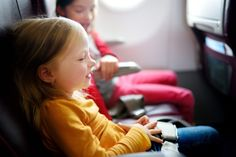 9 Genius Tips to Make Flying with Kids a Breeze. Flying with Kids doesn't have to be stressful, it can be painless and fun if you properly prepare. Japan Holidays, Flying With Kids, Another A, Emergency Medicine, Travel Outfit Summer, Safety Tips, Baby Safety, Short Trip, Packing Tips For Travel
