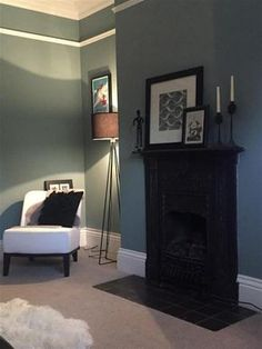 An inspirational image from Farrow and Ball- Oval Room Blue Farrow And Ball Living Room, My Living Room, Home And Living, Living Room Decor, Bedroom Decor, Bedroom Ideas, Oval Room Blue, Blue Rooms, Dix Blue