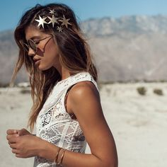 You are my sun, my moon, and all my stars...⭐️ magical galaxy stars via @heartofgolddesigns photo by @grantlegan #rockybarnes #details #desertlife