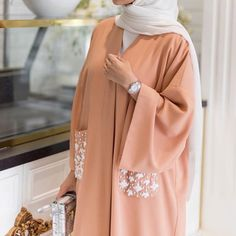 Abaya with pockets Abaya Fashion, Muslim Fashion, Modest Fashion, Fashion Outfits, Estilo Abaya, Modern Abaya, Modele Hijab, Outfit Look, Hijab Fashion Inspiration