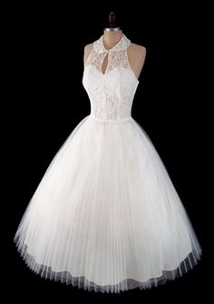 Vintage 1950's 50's Ivory Pleated Tulle and Lace Halter Party Prom Wedding Dress