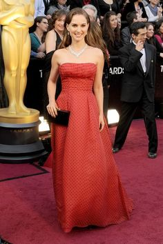 Natalie Portman in Christian Dior Haute Couture    2012 Academy Awards