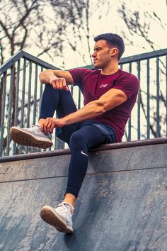 Athleisure attire to look good in the gym Athleisure Wear, Athleisure Fashion, Mode Man, Gym Wear, Athletic Wear, Super Skinny Jeans, Workout Wear, Mens Fitness, Sport Outfits