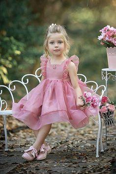 Simple Cute Tulle Dusty Pink Sleeveless Popular Little Girl Dresses, Frocks For Girls, Dresses Kids Girl, Kids Outfits, Fashion Kids, Latest Fashion, Fashion Trends, Flower Dresses, Cute Dresses, Party Dresses