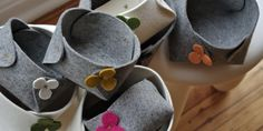 wool felt bowls Felt Hair Accessories, Needle Felting, Wool Felt, Bowls, Shapes, Create, Modern, Baskets, Handmade