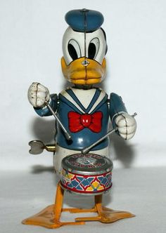 1950's Donald Duck Drummer.  Linmar wind-up toys, 6.5 inches tall.