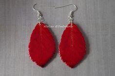 Boucles d'oreilles nature automne feuilles rouges en pâte polymère : Boucles d'oreille par atelier-d-ombeline