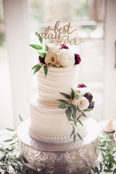 Best Day Ever Wedding Cake Topper at Beautiful Outdoor Fall Wedding at WindRiver photos by Amanda May Photography The Pink Bride Summer Wedding Cakes, Floral Wedding Cakes, Wedding Cake Rustic, Wedding Topper, Beautiful Wedding Cakes, Wedding Cake Designs, Cake Wedding, Wedding Rings, Burgundy Wedding Cake