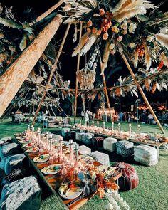 """LEBANESE WEDDINGS on Instagram: """"Heads up, boho loving souls, this one is for you 😍 ______________________ ▪︎Design & Planning:@thepurplechair ▪︎Flowers:@lmf_dubai ▪︎…"""" Wedding Table Setup, Lebanese Wedding, Heads Up, Dubai, Dolores Park, Weddings, Boho, Floral, Flowers"""
