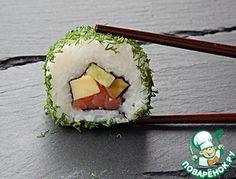 Роллы маки-суши с семгой и омлетом