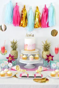 New Tropical Bridal Shower Banner Party Ideas Ideas Hawaiian Baby Showers, Luau Baby Showers, Tropical Bridal Showers, Aloha Party, Beach Party, Bridal Shower Cakes, Bridal Shower Decorations, Luau Bridal Shower, Tropical Party Decorations