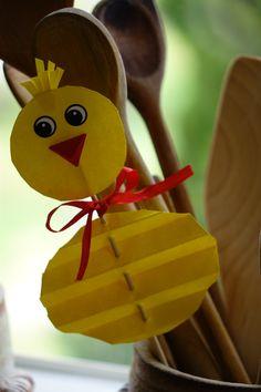 kuře Paper Plate Crafts For Kids, Spring Crafts For Kids, Easy Crafts For Kids, Ester Crafts, Quilling Patterns, Painted Paper, Animal Crafts, Preschool Activities, Handicraft