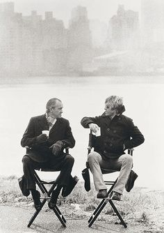 superseventies: Robert Redford and CIA Chief Richard Helms on the set of 'Three Days of the Condor', New York, Photo by Terry O'Neill. Robert Redford, Terry O Neill, Naomi Campbell, Los Astros, Terence Stamp, Star Images, Photographic Prints, Black And White Photography, Thriller