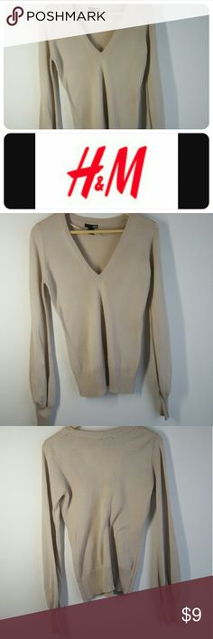 H & M taupe Light weight sweater This light weight sweater is made great! Lightly worn! H&M Sweaters V-Necks