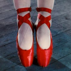 Why so fascinating, red shoes?