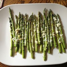 Roasted asparagus with bleu cheese