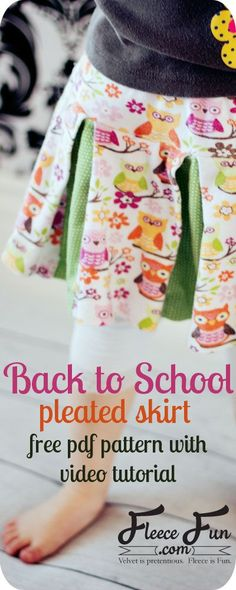 I love this free skirt pattern and tutorial, This Easy Girls Pleated Skirt DIY in 6 Steps (Free Pattern) is the perfect sewing project for back to school. Love how you can make is out of fleece or jersey knit. Learn how to sew a pleated skirt. Girls Skirt Patterns, Skirt Patterns Sewing, Knitting Patterns Free, Skirt Sewing, Coat Patterns, Blouse Patterns, Pleated Skirt Pattern, Skirt Pattern Free, Free Pattern