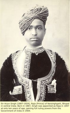 Moorish (Black) Kings of India – Pictures and Images Black History Books, Black History Facts, Strange History, King Of India, Afro, Kings & Queens, Black Royalty, African Royalty, Asian History