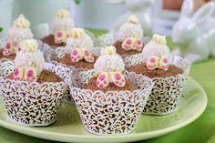 Zajęcze ogonki, czyli bananowe muffinki z kremem z białej czekolady. #muffinki #bialaczekolada #czekolada #banan #chocolate #smacznastrona