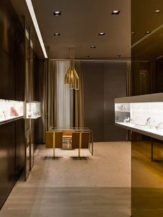 Luxury modern jewelry store design