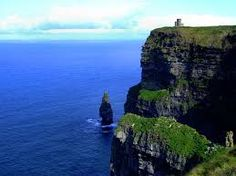 Ireland-Cliffs of Moher One of the most beautiful places I've ever been Ireland Vacation, Ireland Travel, Tourist Places, Places To Travel, Ireland Cliffs Of Moher, Emerald Isle Ireland, Oh The Places You'll Go, Places To Visit, Positano