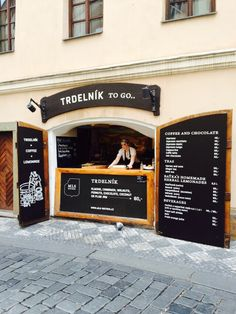 Trdelnik Prague - OMG I WENT TO THAT PLACE. I had ice cream in my trdelnik