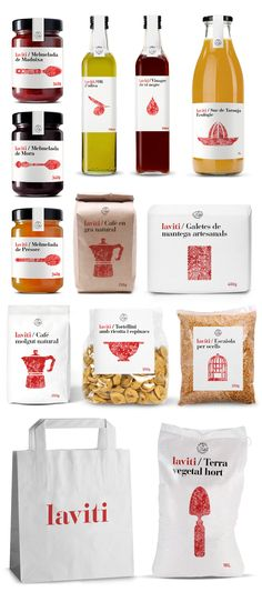 Branding y packagingpara LaViti Agrobotiga. El diseño unifica productos de diferentes empresarios locales. Cada producto está envuelto en blanco con una ilustración sellada en rojo, lo que da un carácter hecho a mano. Esto proporciona a los consumidores no sólo la capacidad de identificar la marca fácilmente a través de su estética minimalista pero tambiénidentificar …