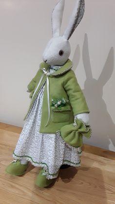 Luna Lapin Maileg Bunny, Bunny Toys, Bunnies, Fabric Animals, Felt Animals, Felt Dolls, Doll Toys, Tilda Toy, Bunny Painting