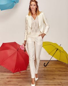 Veste tailleur blanche de mariée et pantalon tailleur blanc, tailleur femme pour mariage civil, mariage lesbien - Boutique de créatrice de robe de mariée créateur et sur-mesure pas cher sur Paris - Myphilosophy Mariage
