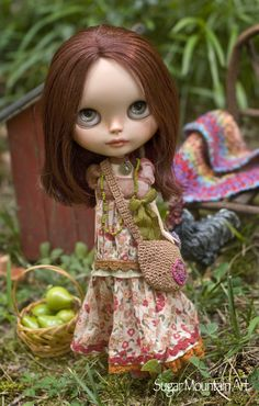 Summer Pasture. Boho Maxi Dress With Crocheted Market Bag, Comfy Leggings, Peace Beads And Leather Choker For Blythe Doll