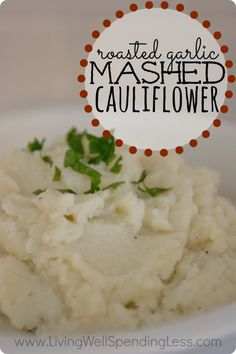 Roasted Garlic Mashed Cauliflower ~ Need a healthy, low calorie alternative to mashed potoatoes? This skinny roasted garlic mashed cauliflower recipe gives you all of the flavor with none of the guilt! Whips up in just minutes! Detox Recipes, Vegetable Recipes, Vegetarian Recipes, Cooking Recipes, Healthy Recipes, Healthy Meals, Detox Meals, Cleanse Detox, Healthy Sides