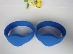 reusable #siliconeRFIDwristband Size: dia45mm, dia55mm, dia60mm, dia65mm, dia74mm or as requested. Reading distance: 3-10cm for HF, 1m-10m for UHF, depends on the reader. Application: they are perfect for sport events, concerts, cinemas or exhibitions etc. http://www.nfctagfactory.com/products/reusable-silicone-RFID-wristband-for-events.html#.VXFZW8-qqko