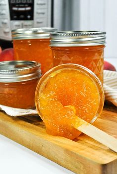 Peach Jalapeno Jam, Peach Jam, Freezer Jam Recipes, Jelly Recipes, Canning Recipes, Fruit Recipes, Yummy Recipes, Yummy Food, Marmalade