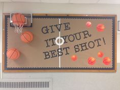 Check out these cool back to school bulletin boards! Welcome students with these creative bulletin board and classroom door decorating ideas. Sports Bulletin Boards, Sports Theme Classroom, Library Bulletin Boards, Back To School Bulletin Boards, School Classroom, Classroom Decor, March Bulletin Board Ideas, Team Bulletin Board, Elementary Bulletin Boards