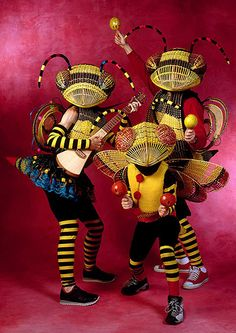 Bees - I remember seeing Annie Hickman at the AMB Convention. Bees – I remember seeing Annie Hickman at the AMB Convention. Creative Costumes, Cool Costumes, Cosplay Costumes, Halloween Costumes, Costume Ideas, Wasp Costumes, Bug Costume, Circus Costume, Fete Halloween