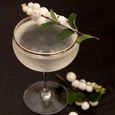 """The """"Phantom Love Song"""" Sake Cocktail - She Keeps a Lovely Home"""