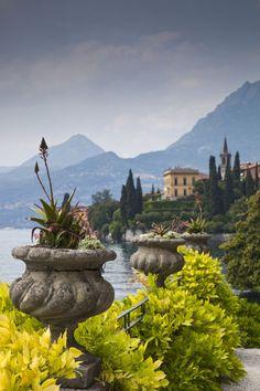 Villa Monastero, Varenna, Lecco , Italy ♦๏~✿✿✿~☼๏♥๏花✨✿写☆☀🌸🌿🎄🎄🎄❁~⊱✿ღ~❥༺♡༻🌺<MO Jan ♥⛩⚘☮️ ❋ Amalfi, Lac Como, Siena Toscana, Places To Travel, Places To See, Wonderful Places, Beautiful Places, Comer See, Lake Como Italy