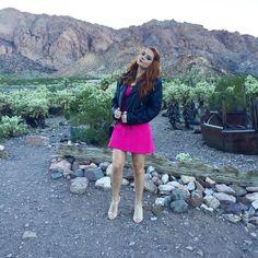"""""""Já saiu meu vlog lá de Las Vegas da festa da Vaquinha @evelynregly e o casamento da @tacielealcolea (olha esse look, fui no casamento assim, já na…"""""""