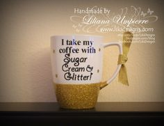 In love with this new order! This client will for sure leave a little sparkle wherever she goes, in the morning or at the time of a good coffee or tea... Because everything is perfect with glitter on it! #craft #coffeelover #coffeemug #mug #vinyl #glitter #glittermug #glitterdipped #glittercoffeemug #cricut #cricutexplore #supportsmallbusiness #handmade #LikiDesigns
