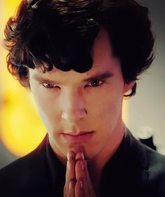 The ethereally beautiful jaguar in a cello. Sherlock Holmes 3, Sherlock John, Mrs Hudson, Mark Gatiss, Doctor Johns, 221b Baker Street, John Watson, Martin Freeman, I Cant Even