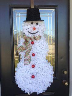 Snowman Wreath Ideas | Christmas Wreath Curly Deco Mesh Christmas Snowman. $75.00, via Etsy.
