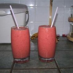 Strawberry Orange Banana Smoothie - Click image to find more popular food & drink Pinterest pins
